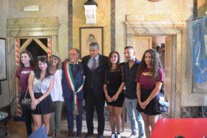 Evento Aurora: Foto di gruppo al comune di Campello sul Clitunno con il rappresentante dell'Ambasciata di Cuba